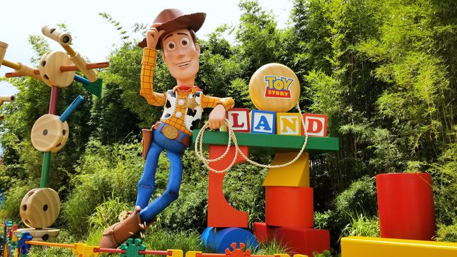 delish-disney-toy-story-land-001-1530795095